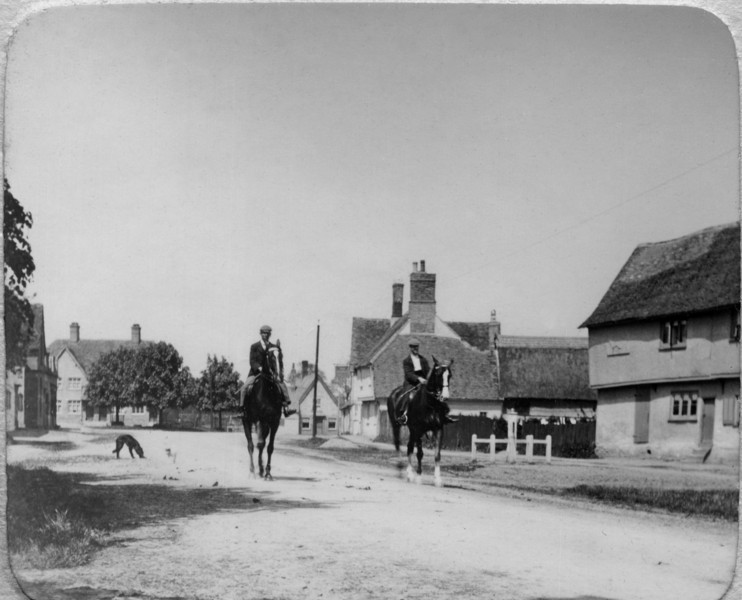 Horses in High Street (taken by Rev Holland). Provided by Elizabeth Smith