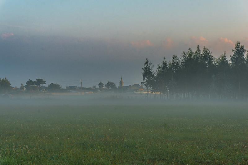 La iglesia de Rinlo al amanecer