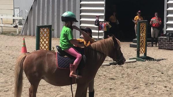 2018-07- Éliane au Ranch Massawipi