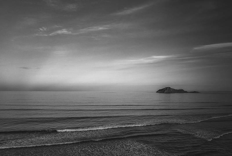 waimarama-sunset-bw.jpg