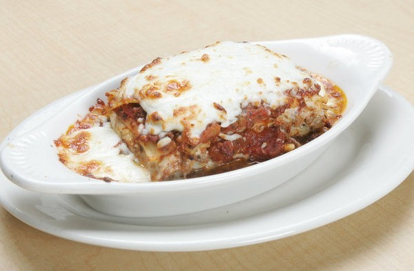 josephs-pizza---lasagna2_med.jpeg