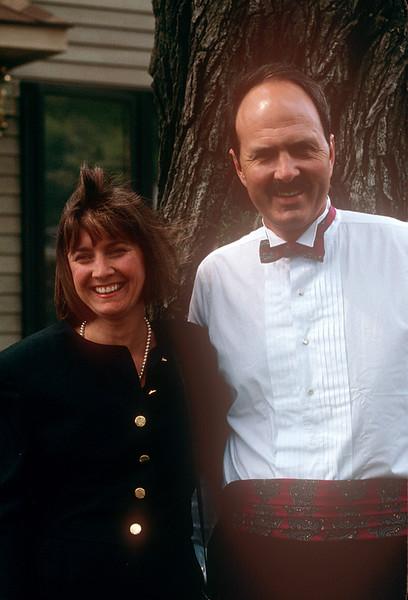 1990-08 Greg & Nancy.jpg