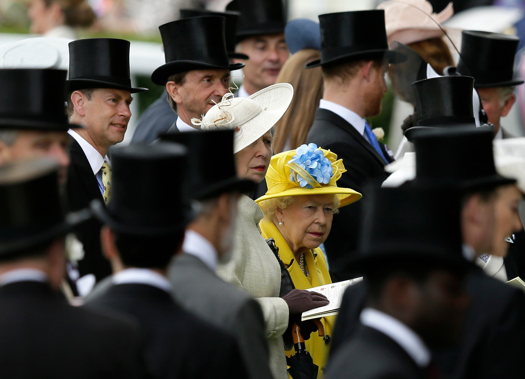 . Britain\'s Queen Elizabeth II arrives at the parade ring on the first day of the Royal Ascot horse race meeting in Ascot, England, Tuesday, June 19, 2018. (AP Photo/Tim Ireland)