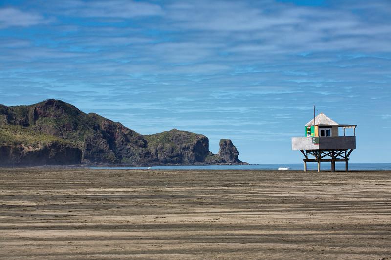 Lifeguard station at Bethells Beach