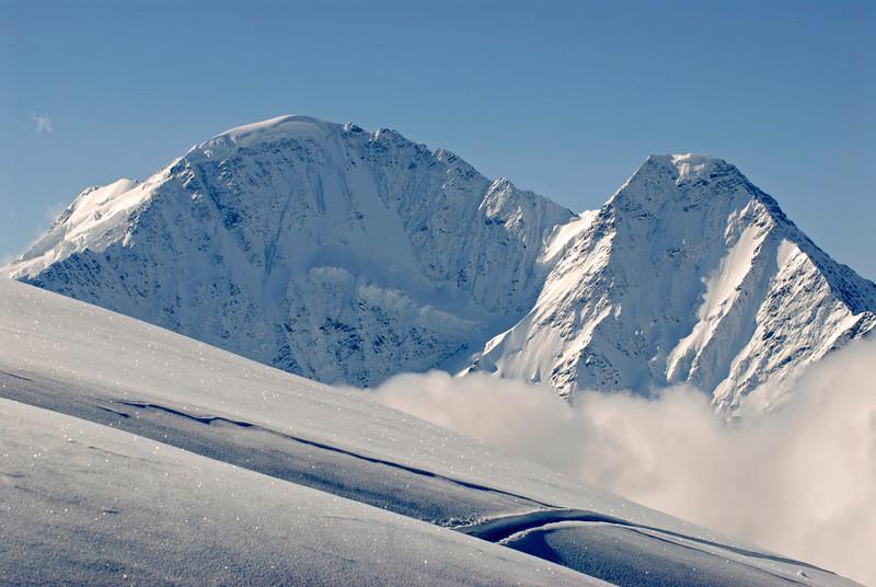 080502 1760 Russia - Mount Elbruce - Day 2 Trip to 15000 feet _E _I ~E ~L.JPG