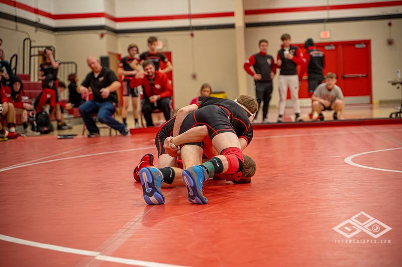 Wrestling at Granite City-08996.jpg