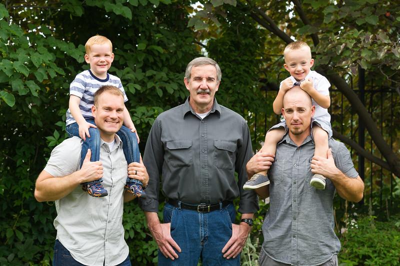 AG_2018_07_Bertele Family Portraits__D3S4015-2.jpg