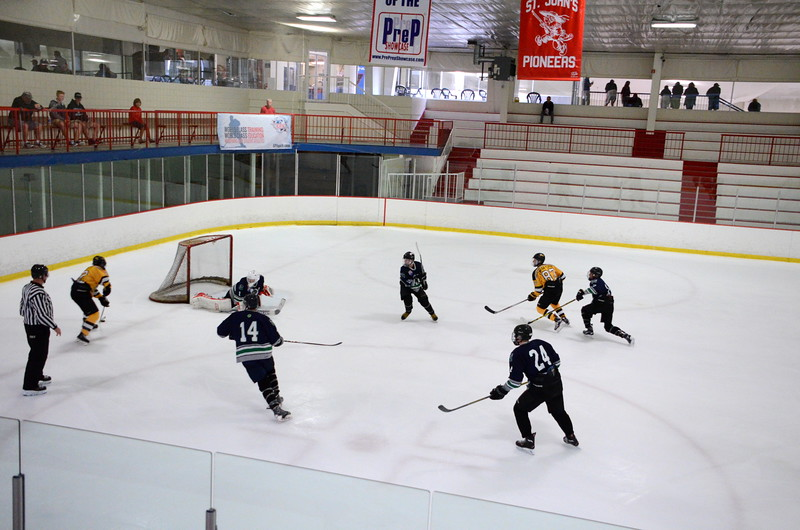 150907 Jr. Bruins vs. Whalers-062.JPG