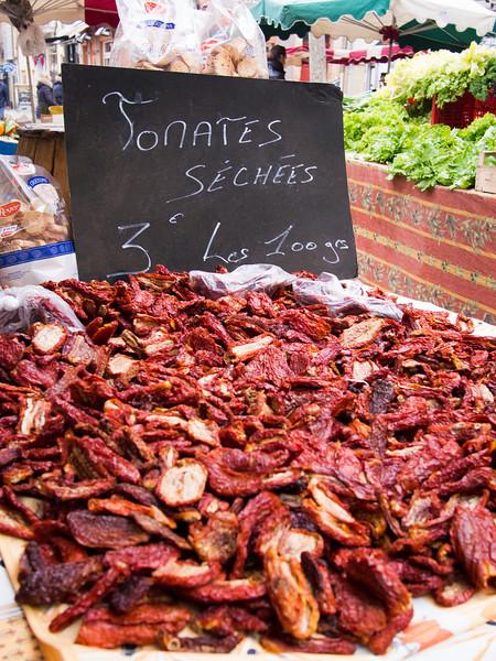 aix en provence market sundried tomatoes-2.jpg