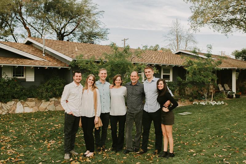 Aton Family 2017-0001.jpg