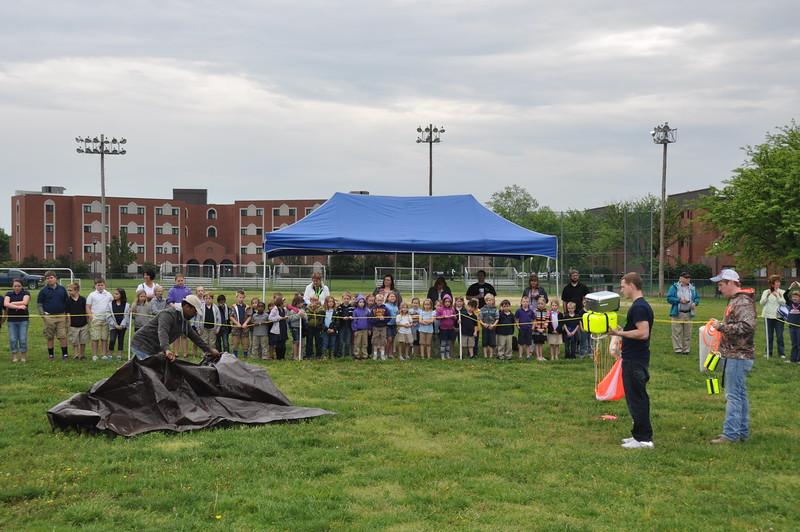 160509 VU Weather Balloon Launch (5).JPG