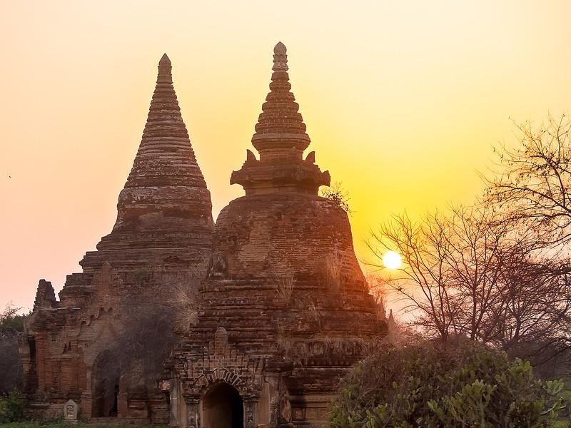 Myanmar Bagan Temples_P1160661.jpg