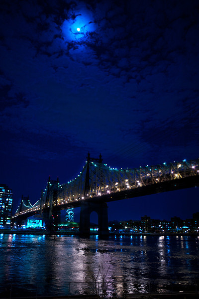 queensborough-bridge-moon.jpg