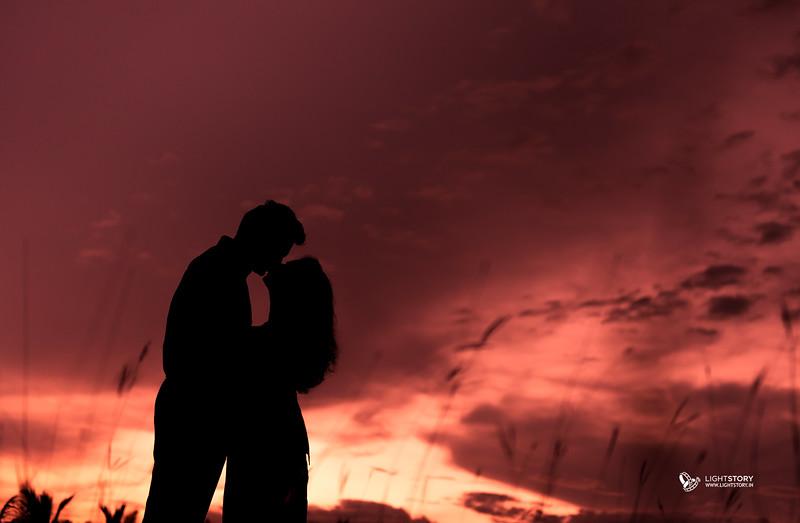 LightStory-Poorna+Vibushan-CoupleShoot-138-Edit.jpg