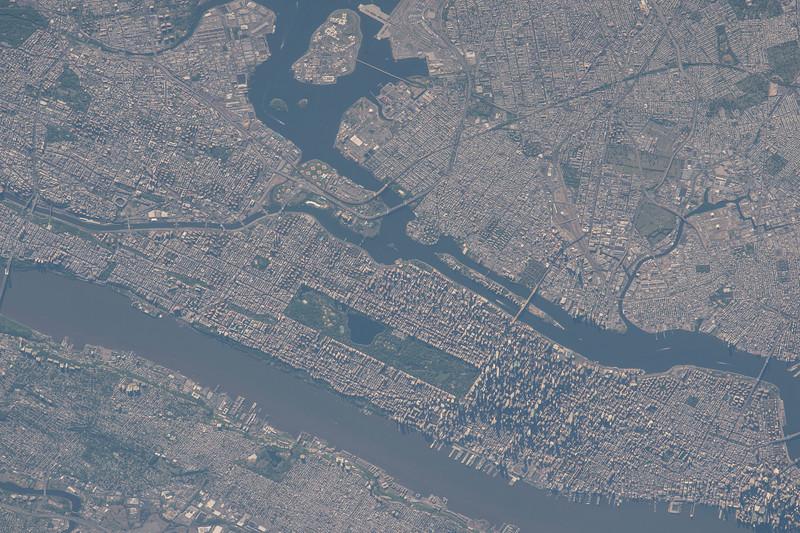 Good morning #Manhattan! #bigapple #YearInSpace