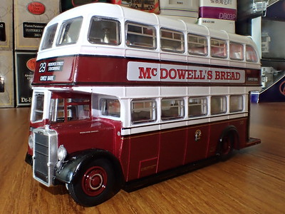 Oxford Diecast 76PD2005 Leyland PD2/12 Edinburgh Corporation