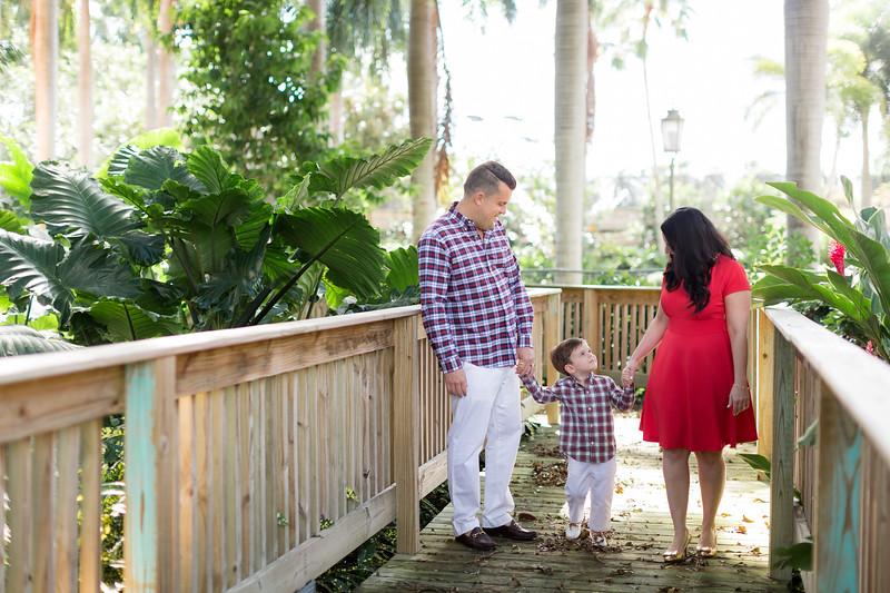Holiday 2020 Tempone Family-10.jpg