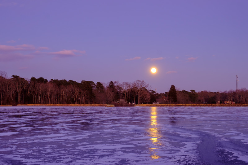 New Year's Moonrise