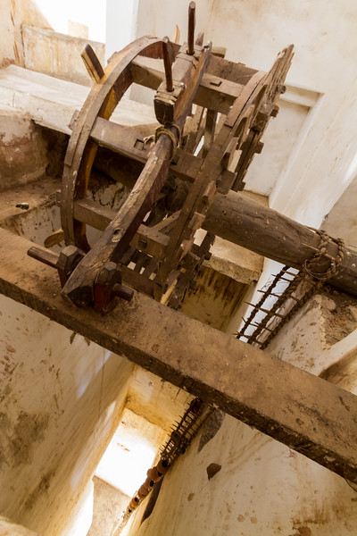 Old wooden water pulley at Amer Fort - Asia - India - Rajasthan - Jaipur