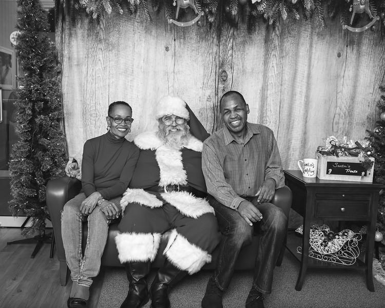 Ameriprise-Santa-Visit-181202-5028-BW.jpg
