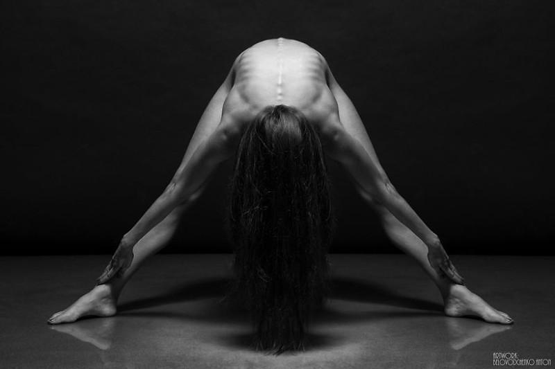 black-and-white-portraits-women-body-bodyscapes-anton-belovodchenko-310.jpg