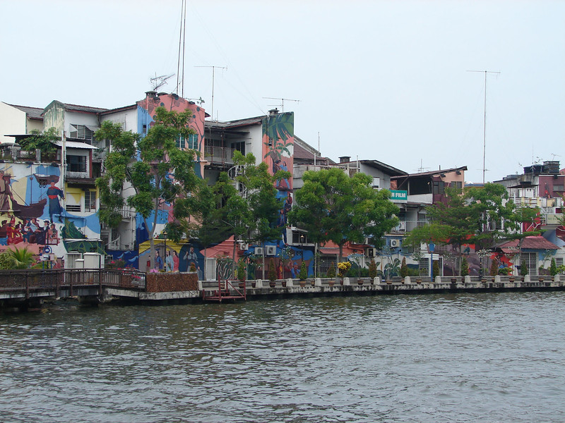 On our river walk with Historian Arhchoo in Malacca (7).JPG