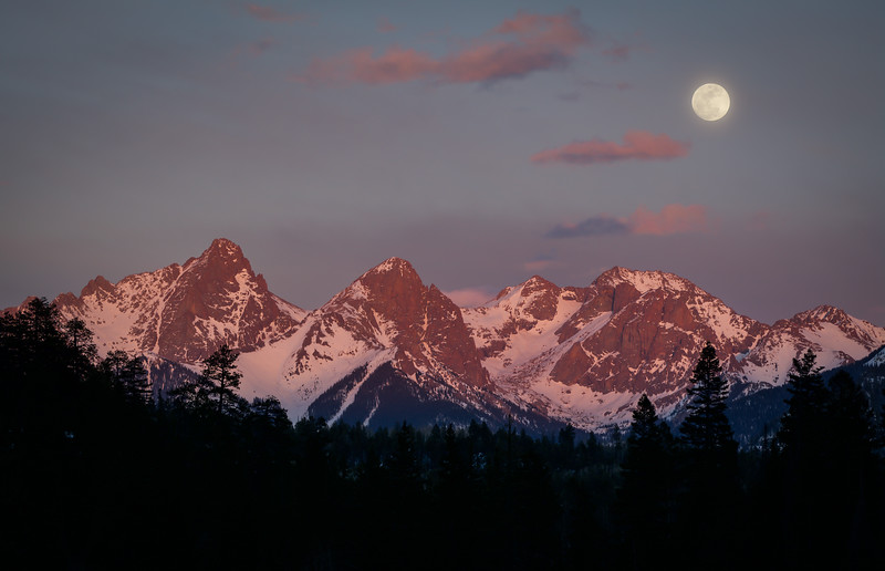 Needles_Full_Moon_Sunset_Hank_Blum_Photography.jpg