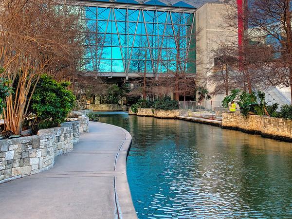 The River Walk, San Antonio, TX (17 Images)