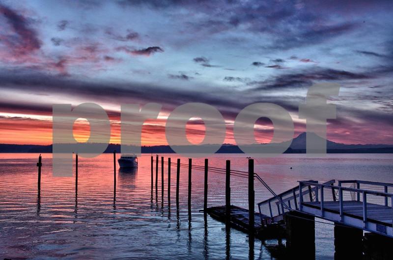 Rainier & Puget Marina sunrise 7968_HDR.jpg