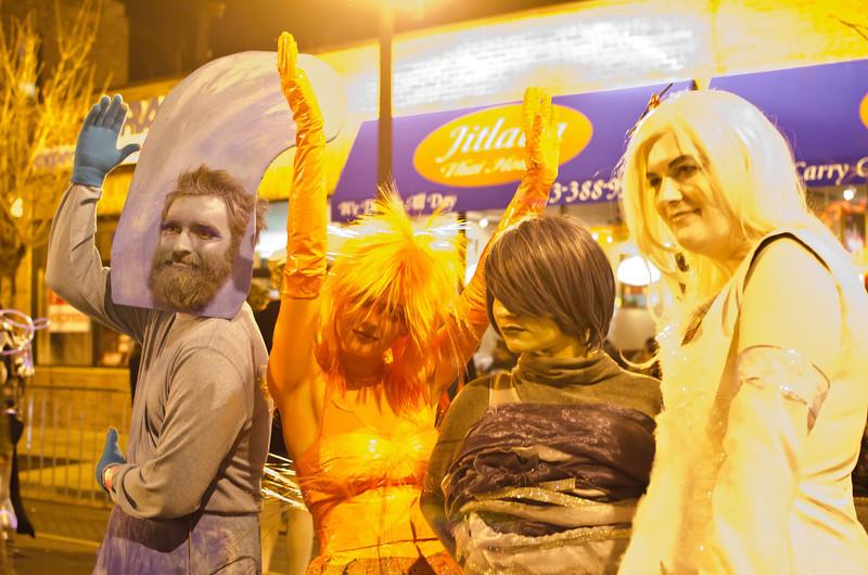 Halloween2012fourearthltDisasteronstreetDSC_7409.jpg