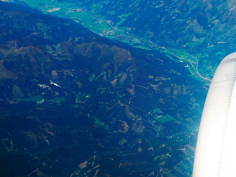 Rakousko, údolí s městečkem Kalwang nedaleko Mattern in der Steiermark