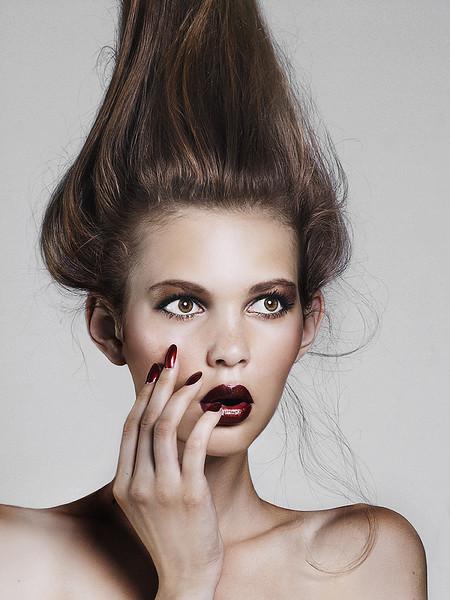 Hair-Makeup-Emi-Koizumi-Beauty-Editorial-Creative-Space-Artists-Management-3.jpg