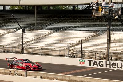 Porsche-Sprint-Challenge-Race-2