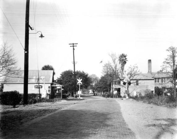 Railroad Crossing - 1942.jpg