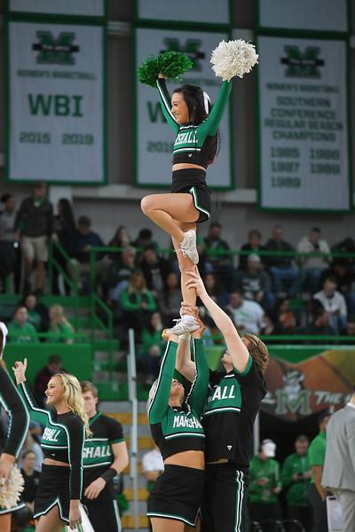 cheerleaders2407.jpg