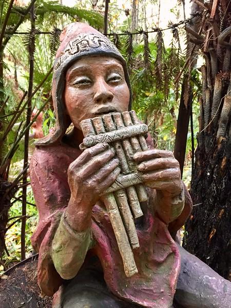 Bruno'sSculptureGarden_17.JPEG