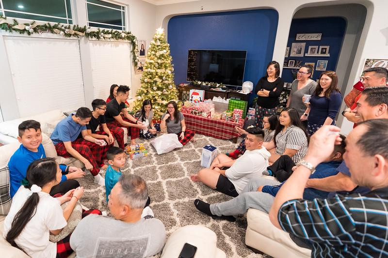 20191225_christmas-ho-family_036.jpg