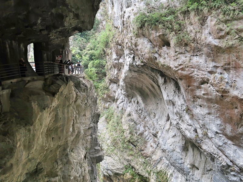 IMG_8933-swallow-grotto-walkway.jpg