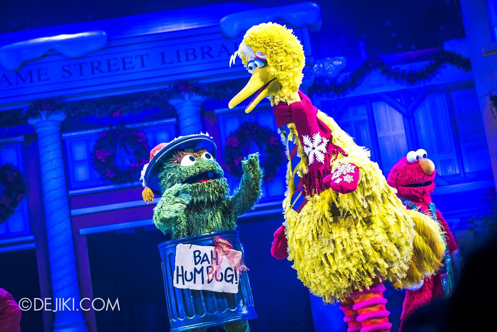 Universal Studios Singapore Christmas 2017 - Oscar's Grouchmas / Oscar laments