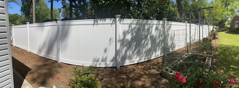 Lowes 6 foot vinyl privacy fence ( Emblem model) with Federation caps from LMT