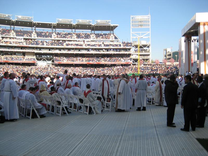 Pope Mass Nats Stadium 4-17-08 021.jpg