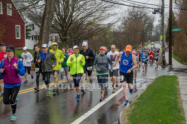 2018 Groton Road Race / 10K Start