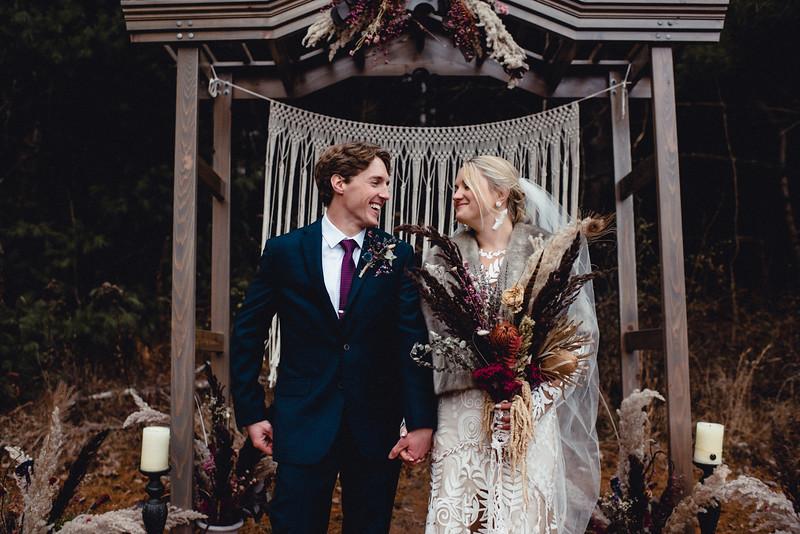 Requiem Images - Luxury Boho Winter Mountain Intimate Wedding - Seven Springs - Laurel Highlands - Blake Holly -1163.jpg