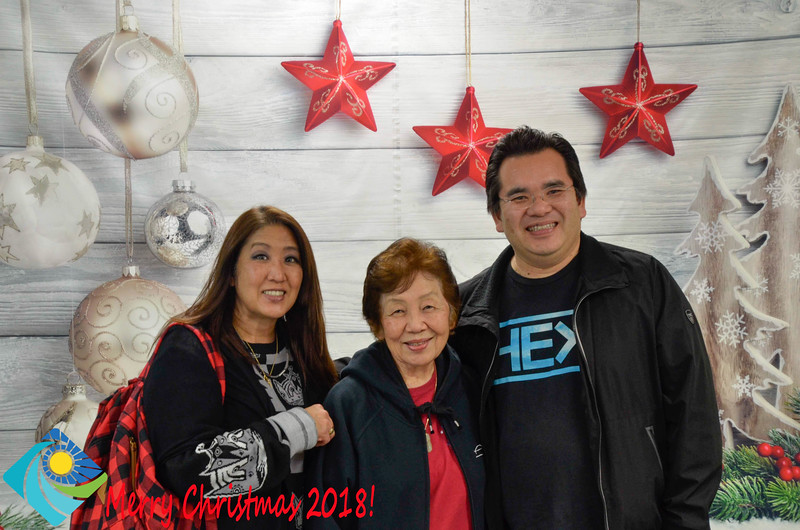 Christmas Photobooth 2018-036_01.jpg
