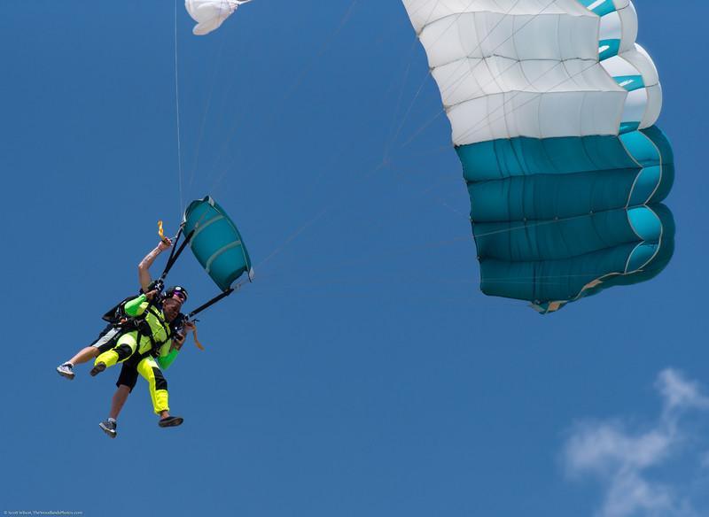 SkydivingEdited-36.jpg