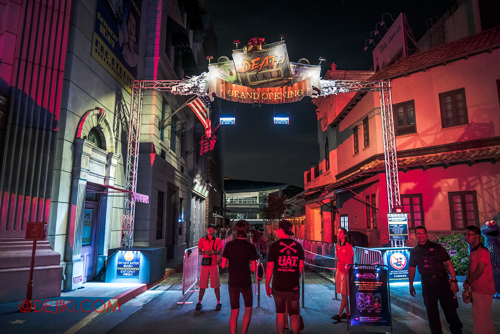 Halloween Horror Nights 7 Survival Guide - DEATH Mall queue entrance