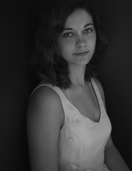 Lorrie Portraits 7-20-7 bw.jpg