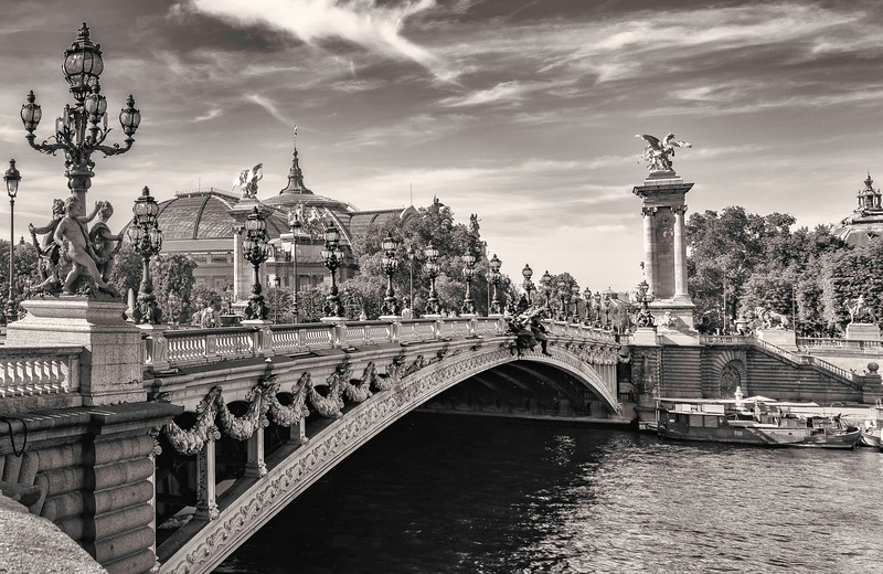 Alexandre Bridge. Paris.
