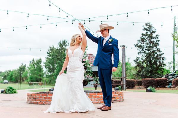 Logan + Ashlyn | Hidden Acres Wedding