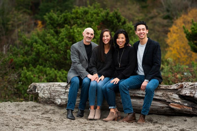 2018-1125 Reasoner Family Portraits - GMD1035.jpg